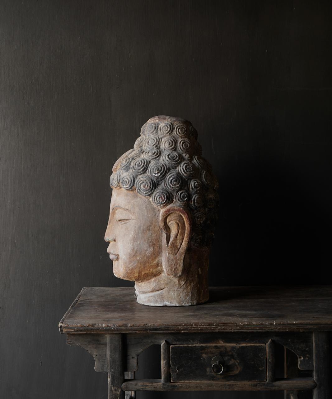 Einzigartiger alter hölzerner Buddha-1