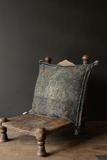 Wunderschöner handgefertigter Kissenbezug aus Steinwäsche