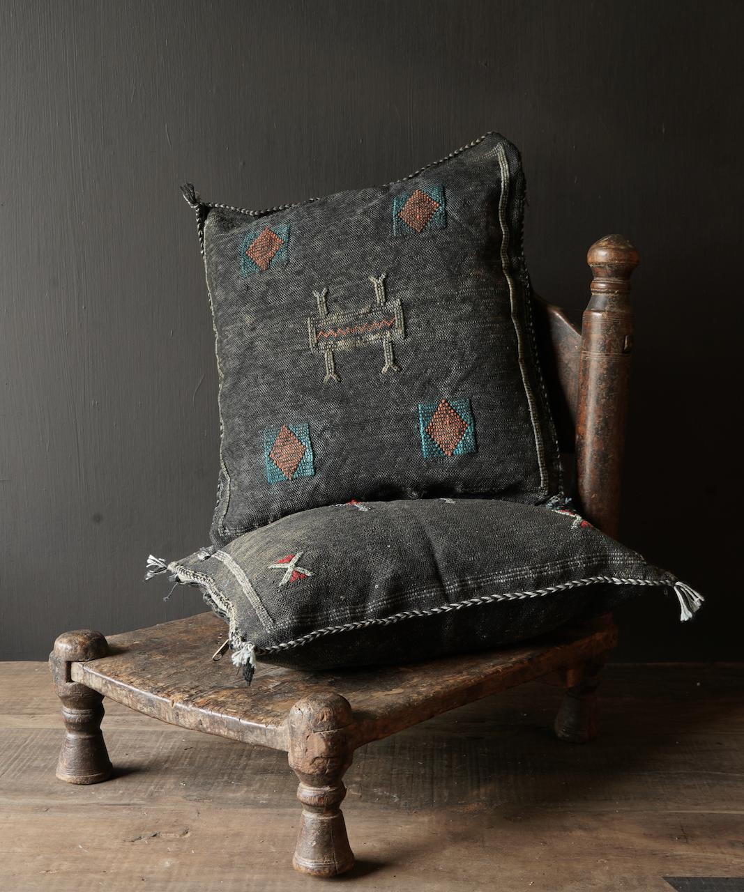 Wunderschöner handgefertigter Kissenbezug aus Steinwäsche-1