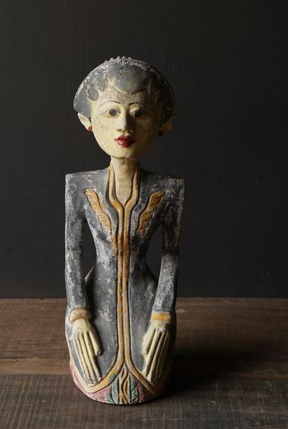 exclusive wooden Suar loro blonyo figurine