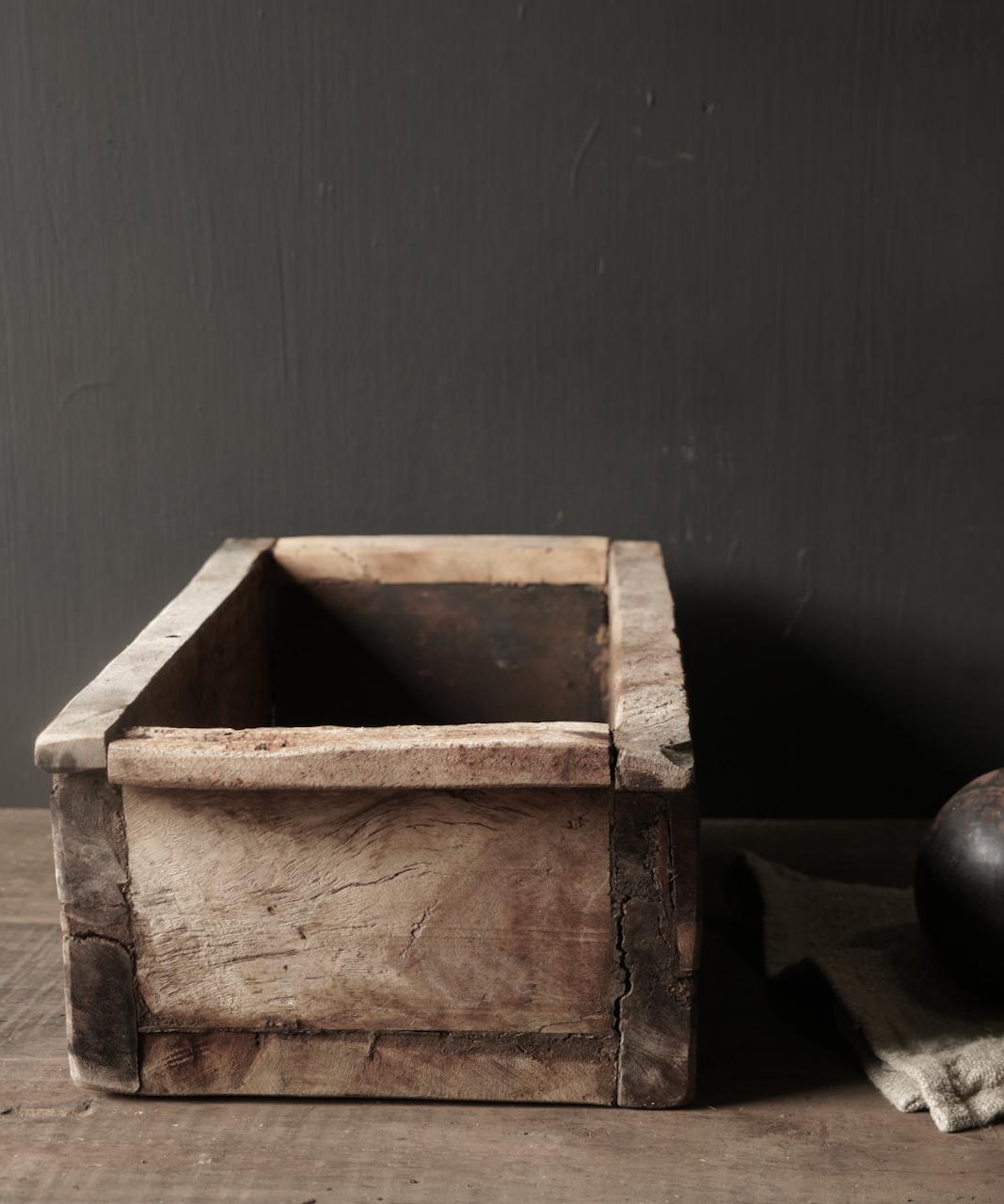 houten bak gemaakt van oud hout-2