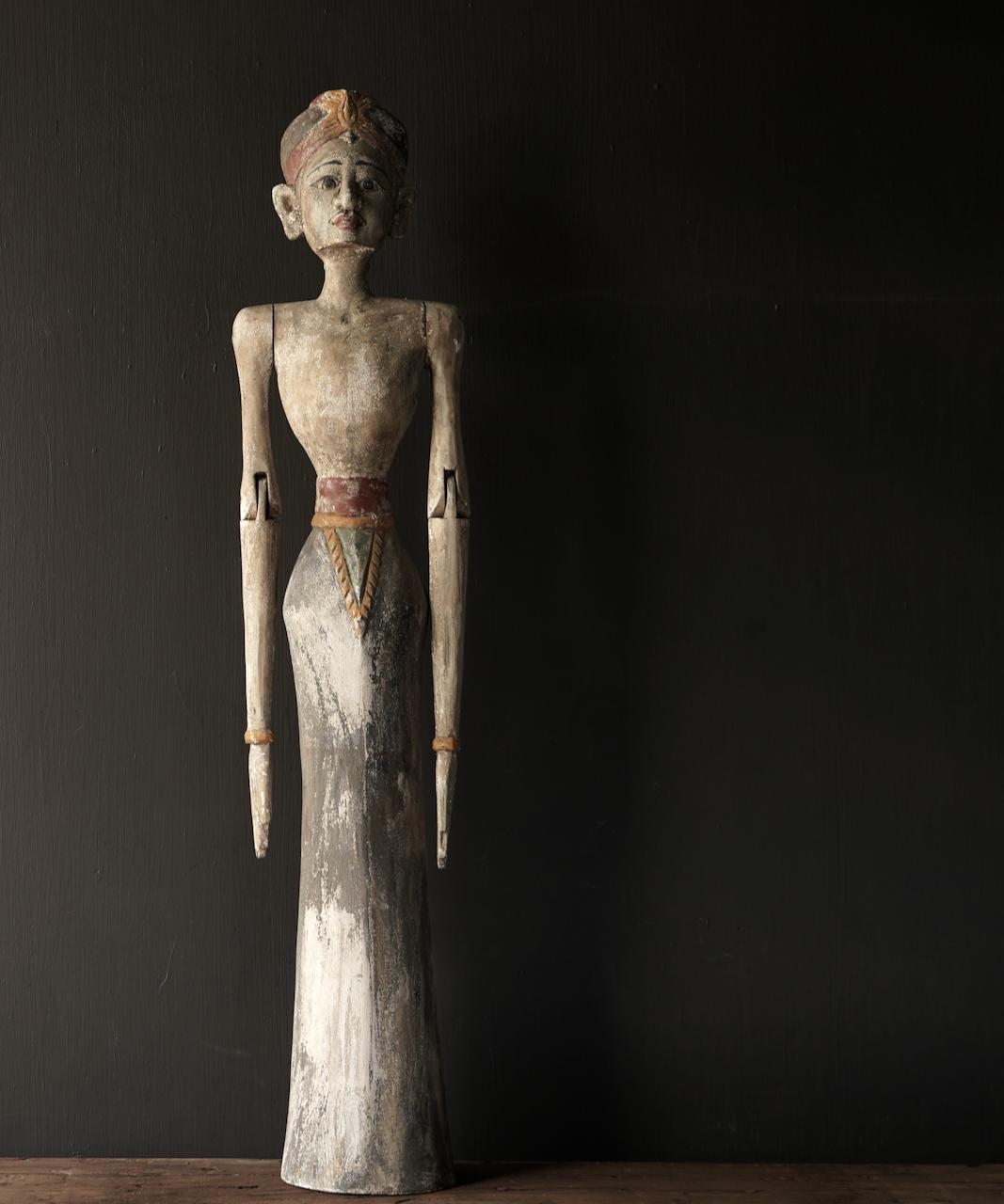 Wooden Suar loro blonyo statue (Handmade)-1