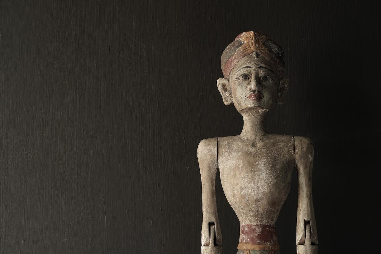 Wooden Suar loro blonyo statue (Handmade)-4