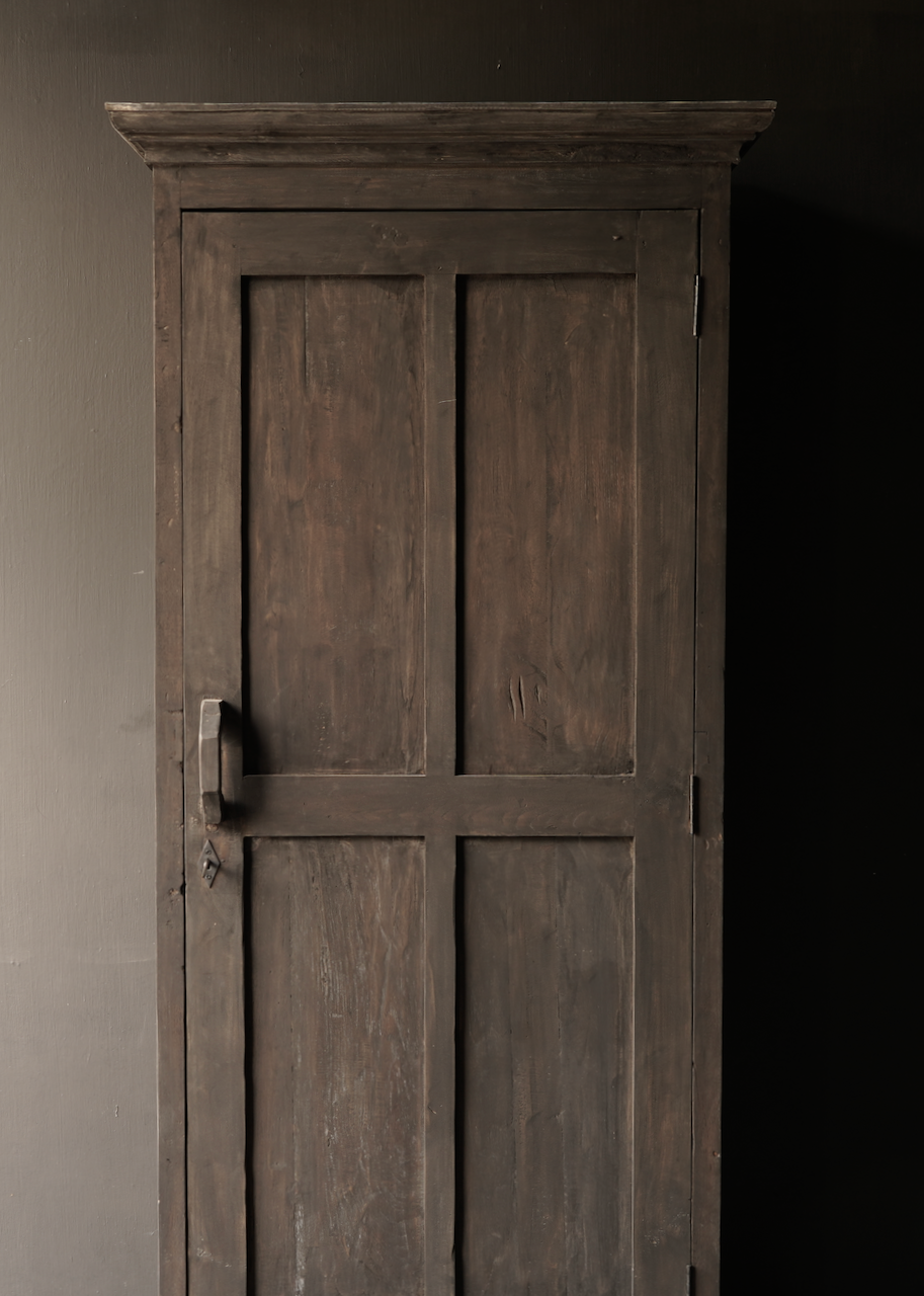 Sturdy one-door wardrobe from old wood with a drawer-3