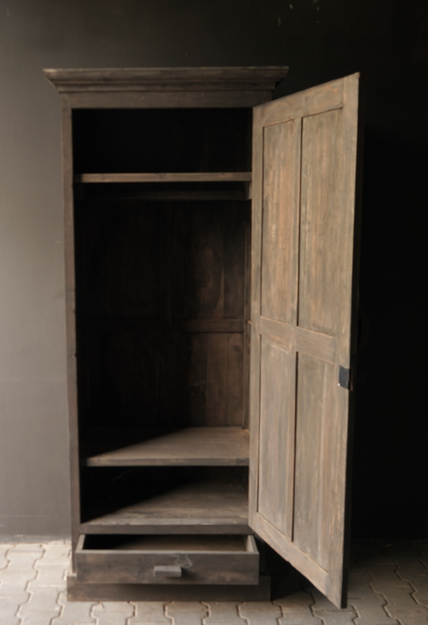 Sturdy one-door wardrobe from old wood with a drawer-2