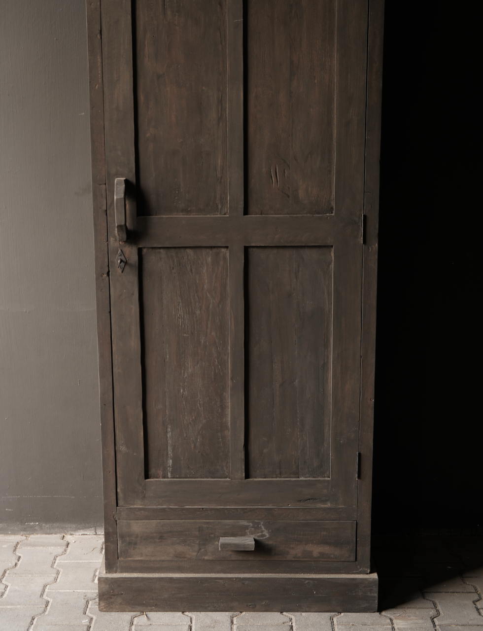 Sturdy one-door wardrobe from old wood with a drawer-5