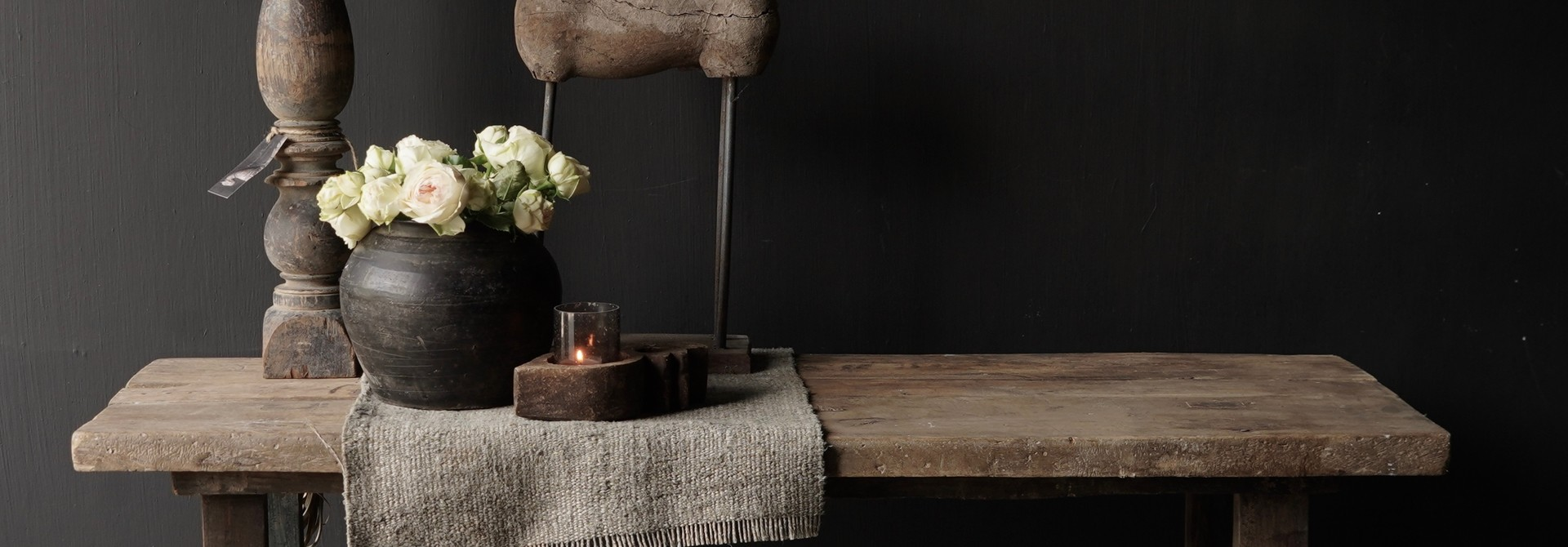 Side table gemaakt van oud stoer robuust oud hout