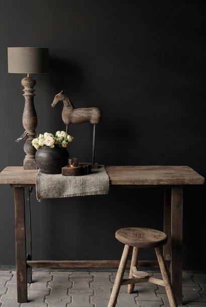 Beistelltisch aus altem robustem robustem altem Holz