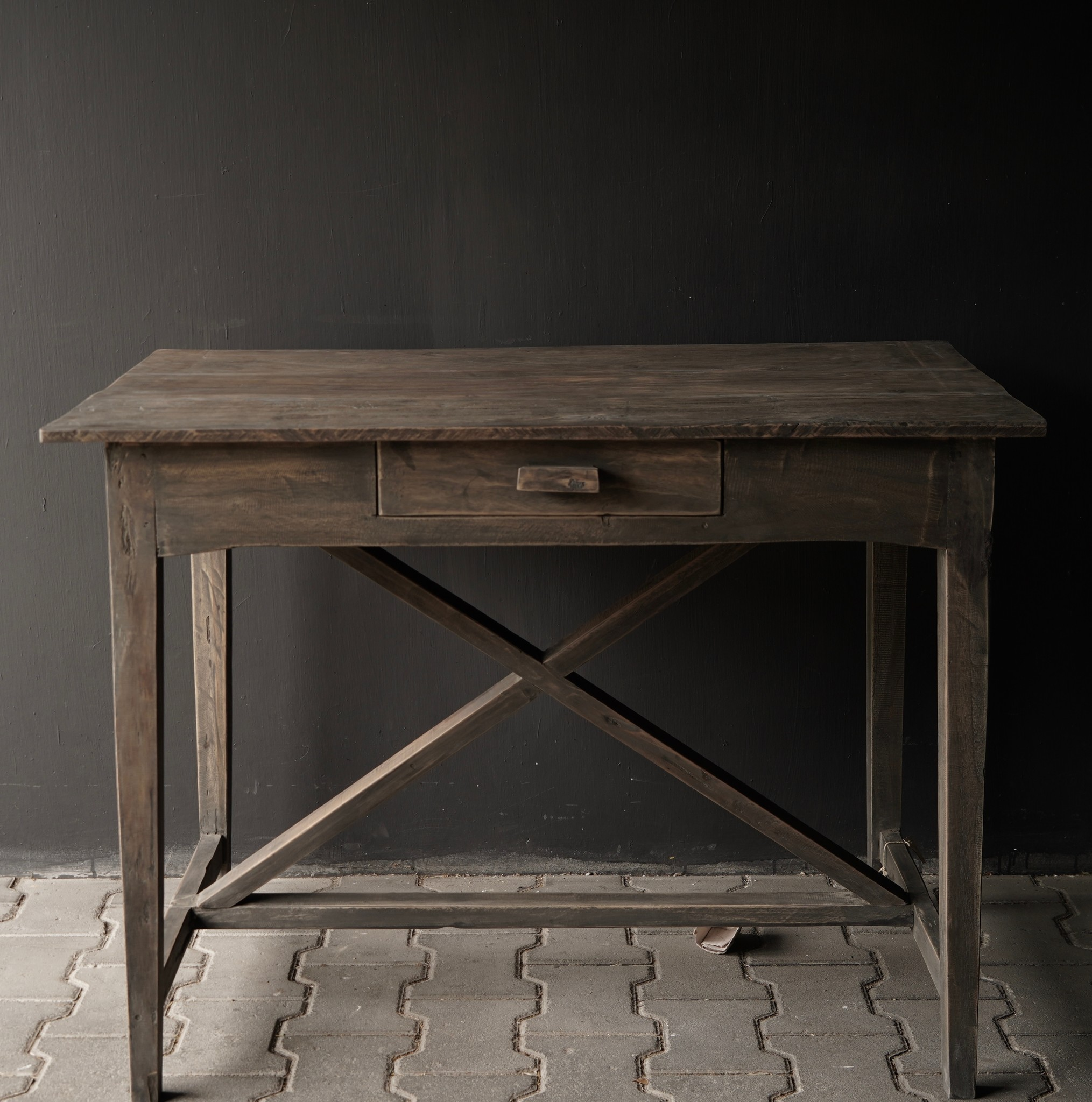 Stoer oud Sidetable/muurtafel oud hout met een lade-9