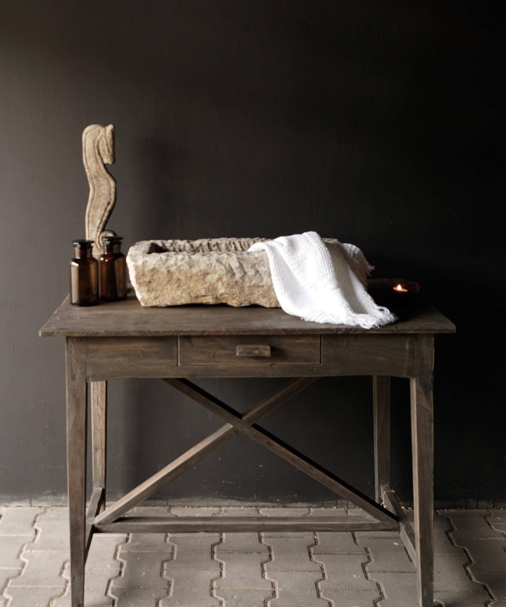 Stoer oud Sidetable/muurtafel oud hout met een lade-1