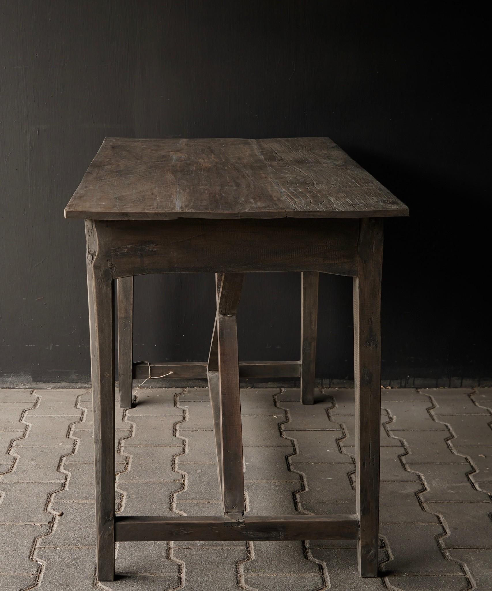 Stoer oud Sidetable/muurtafel oud hout met een lade-4