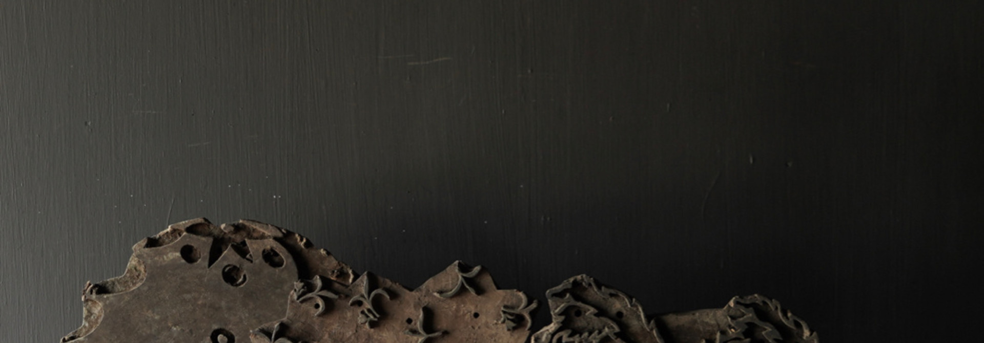 Houten batik stempel op ijzeren voetje  XL