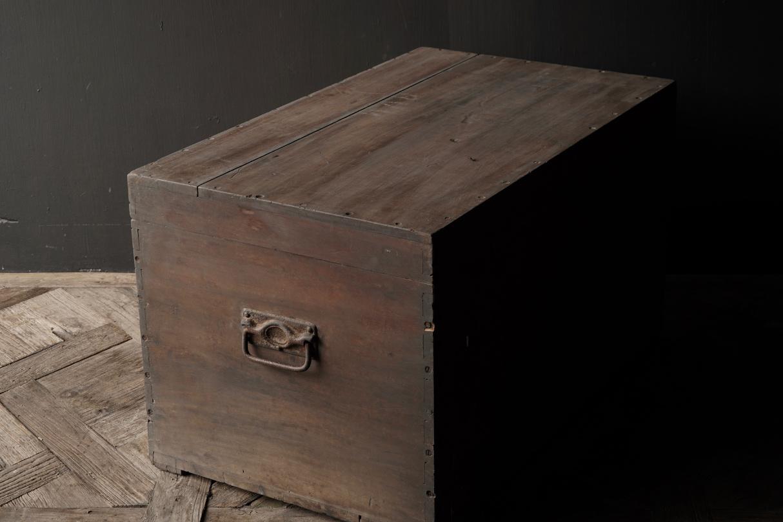 Oude Authentieke houten kist-2