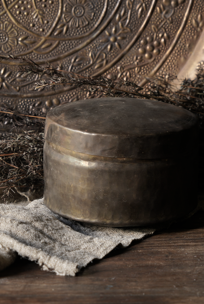 Alte antike Kupferdose