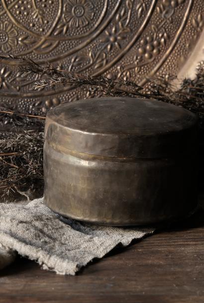 Oud antiek koperen blikje