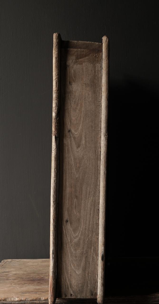 Stoer houten raamkozijn met luikjes-5
