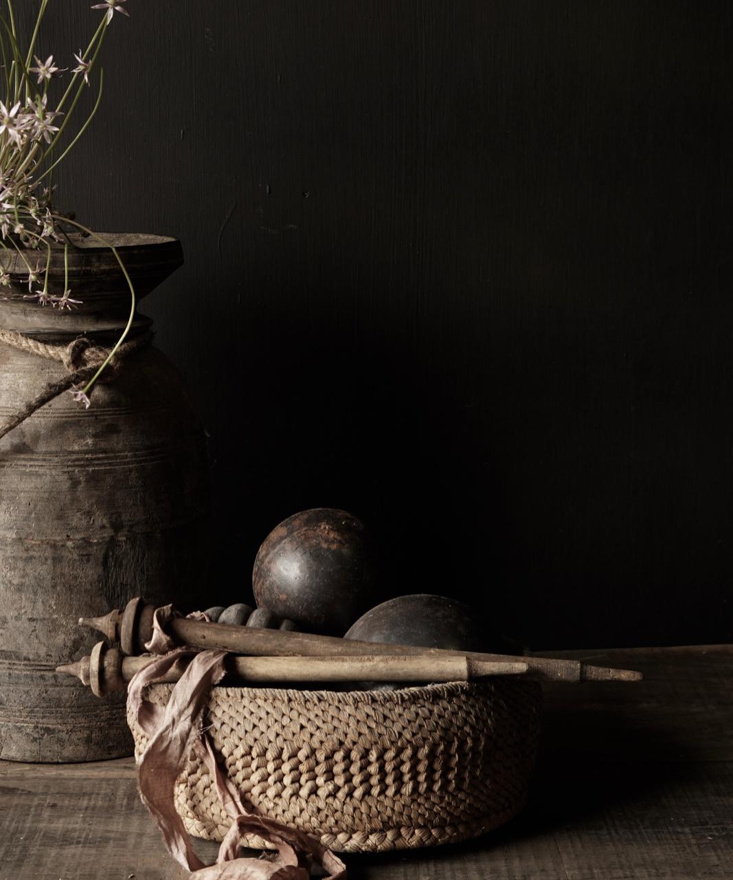 Oud Nepalees mandje  van gevlochten maïsbladeren-1