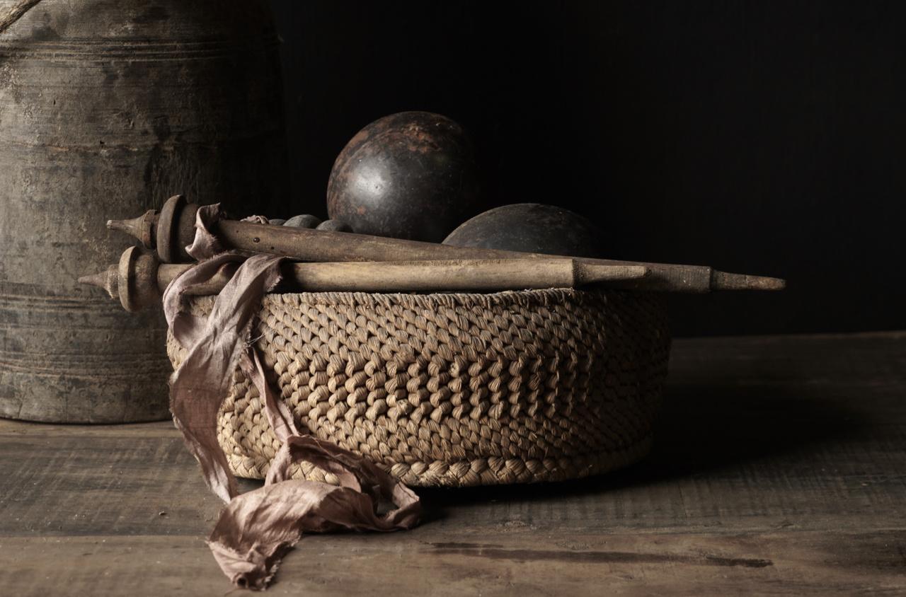 Oud Nepalees mandje  van gevlochten maïsbladeren-2