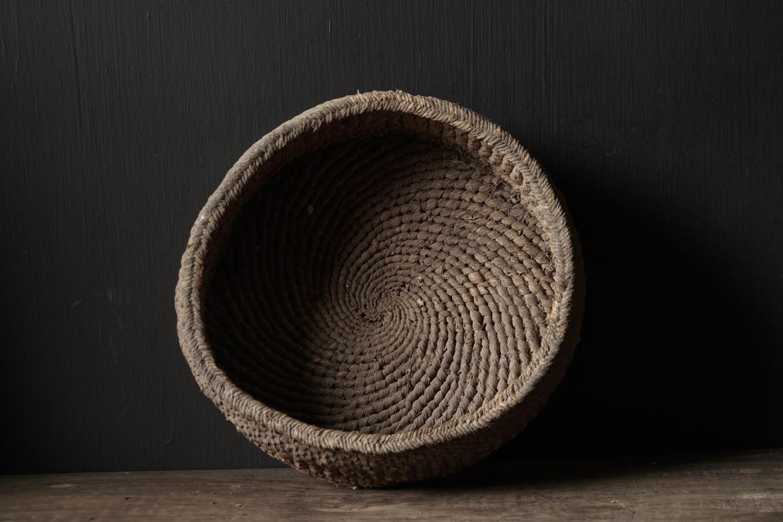 Oud Nepalees mandje  van gevlochten maïsbladeren-3