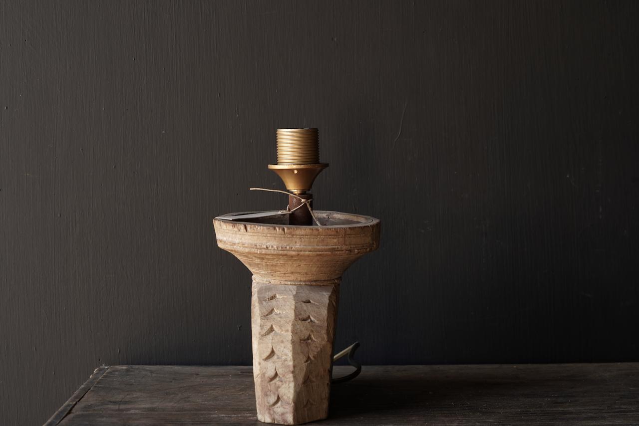 Tafellampje  van oud houten ornament-3