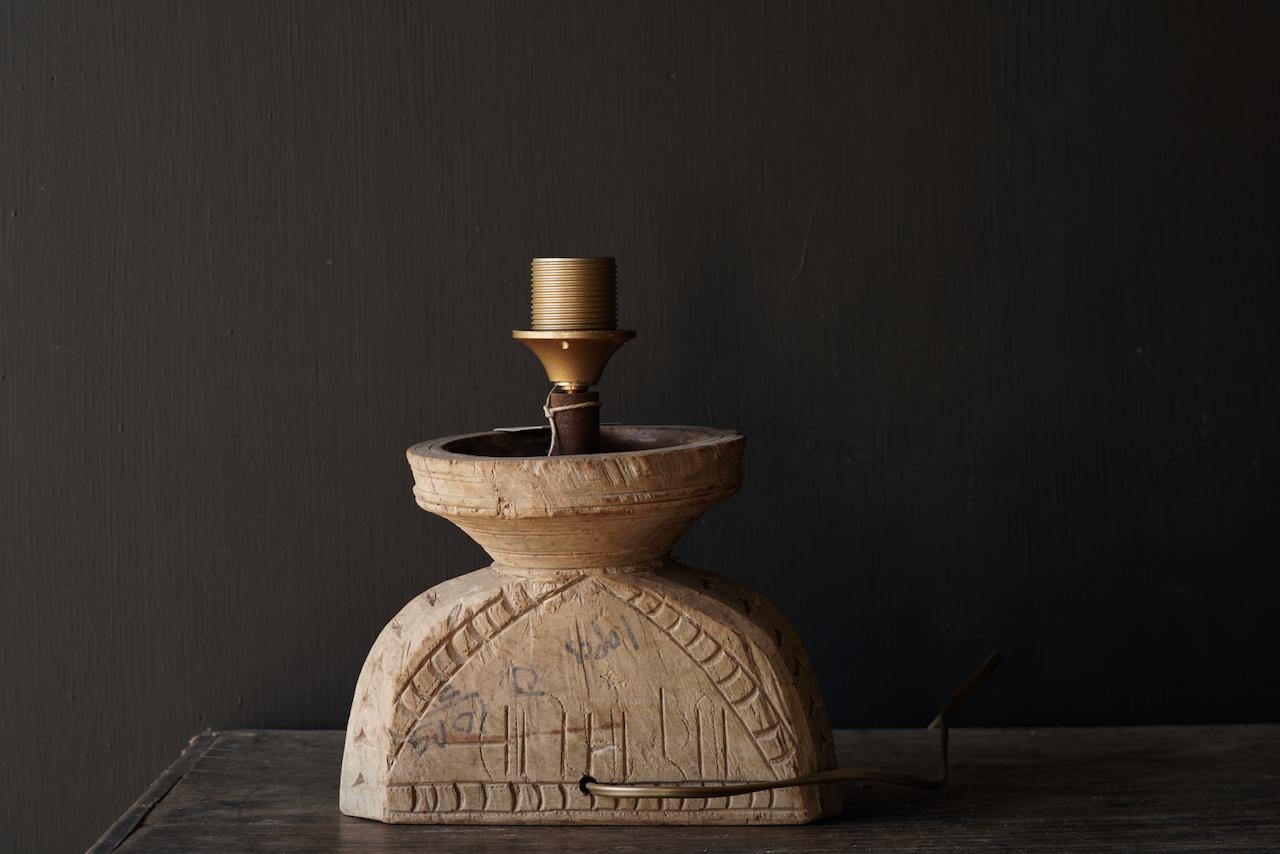 Tafellampje  van oud houten ornament-4