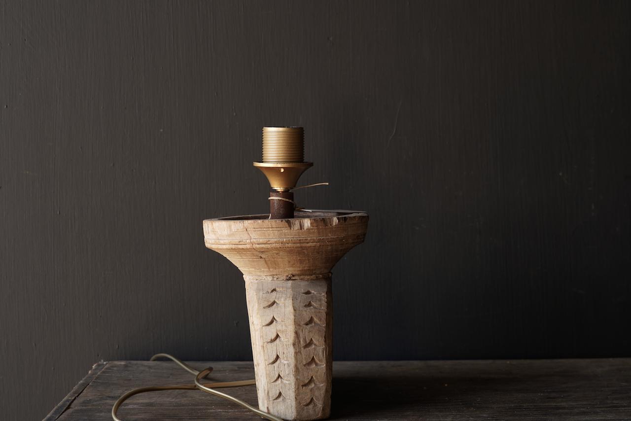 Tafellampje  van oud houten ornament-5