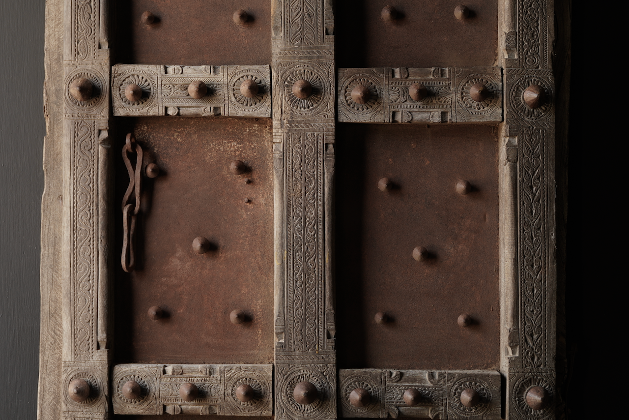 Zwaar Oude Indische ijzeren deur  met houten afwerking-4