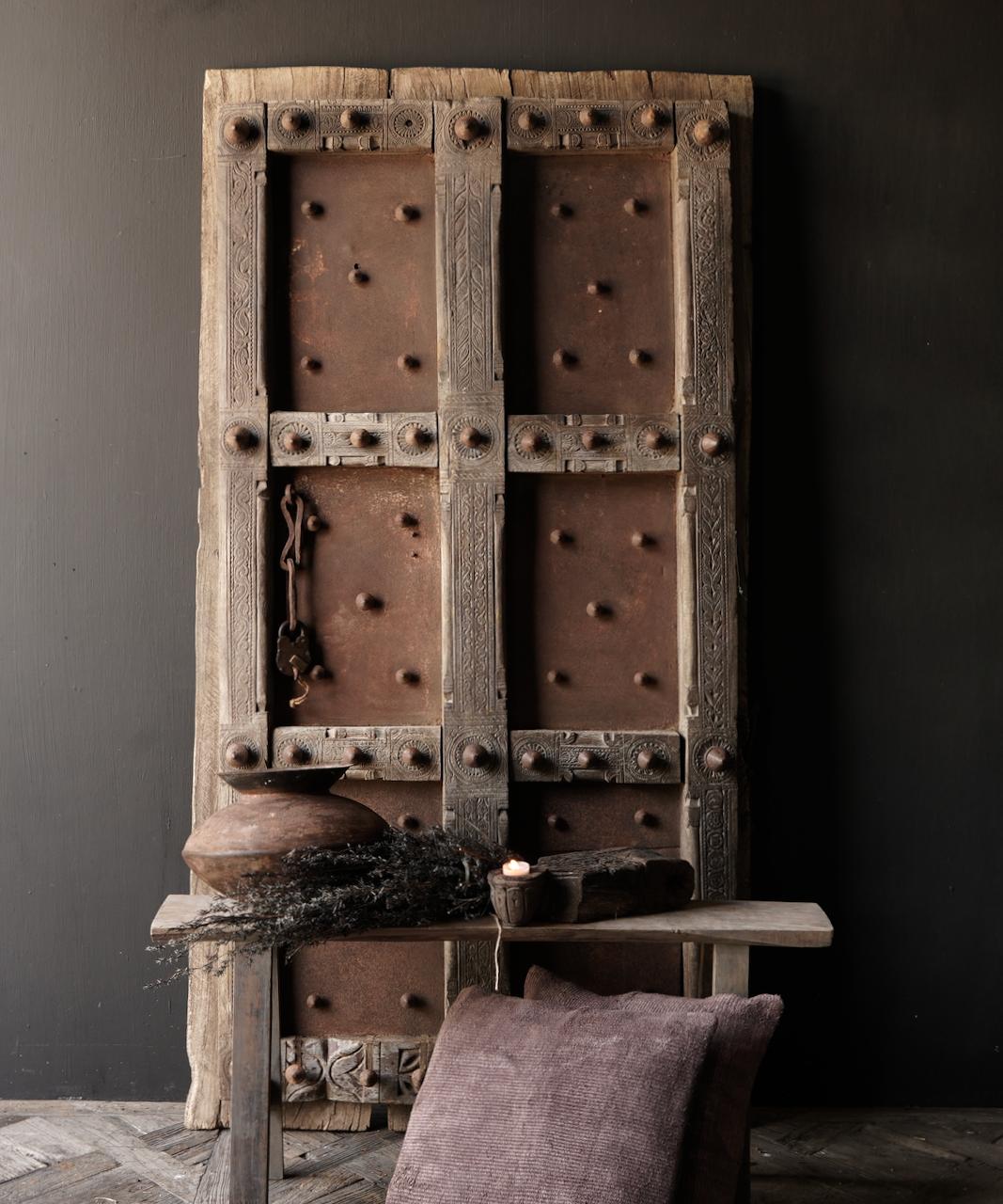 Zwaar Oude Indische ijzeren deur  met houten afwerking-1
