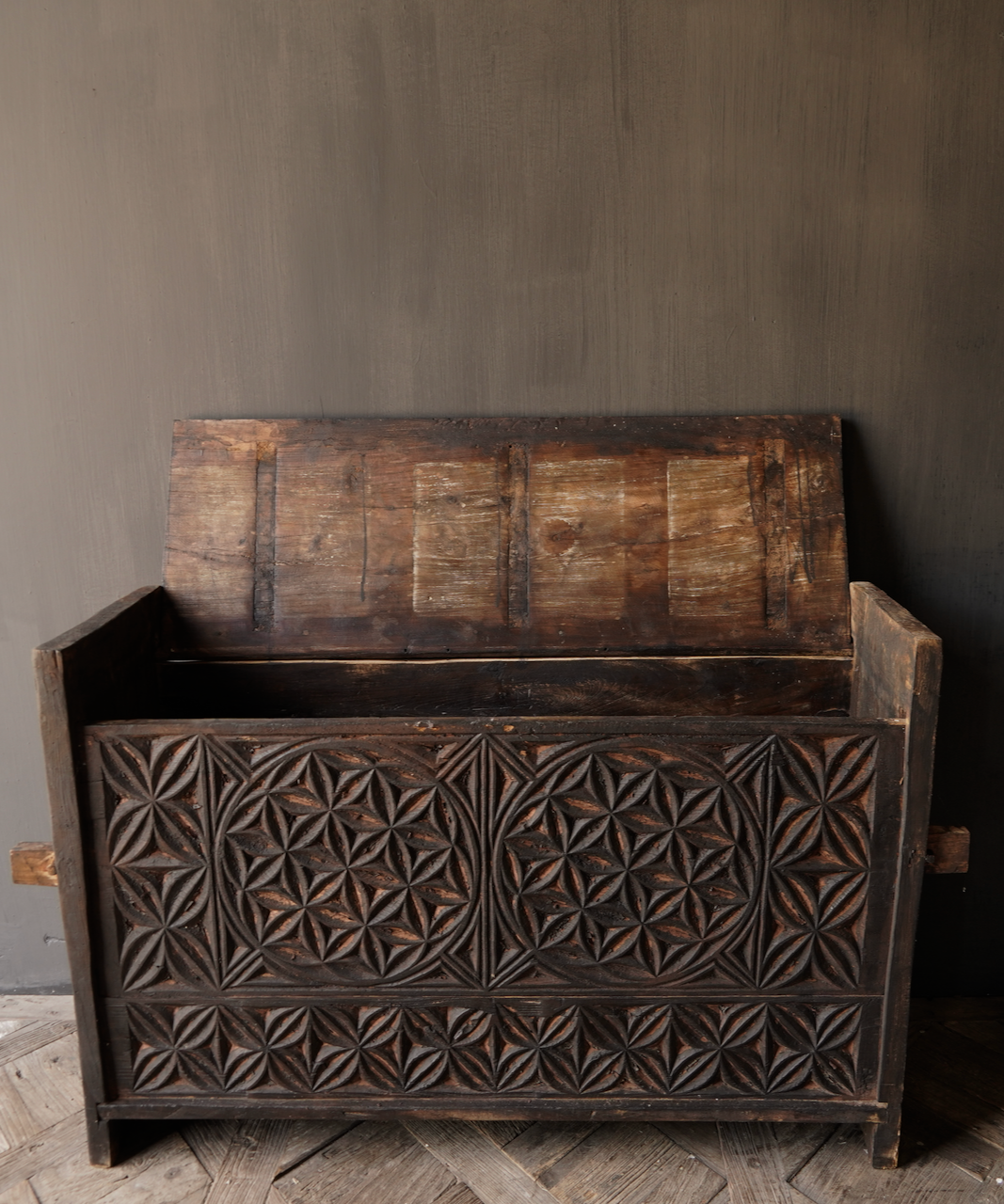 Tough old Himalayan Chest / Box with wood carving-3