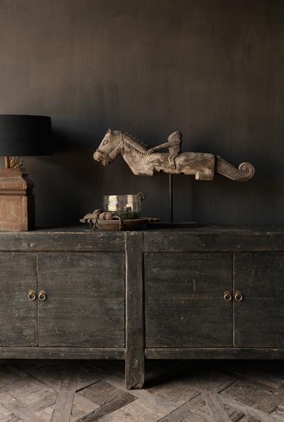 Oude Authentieke Zwart/Bruin  Dressoir met  vier deurtjes