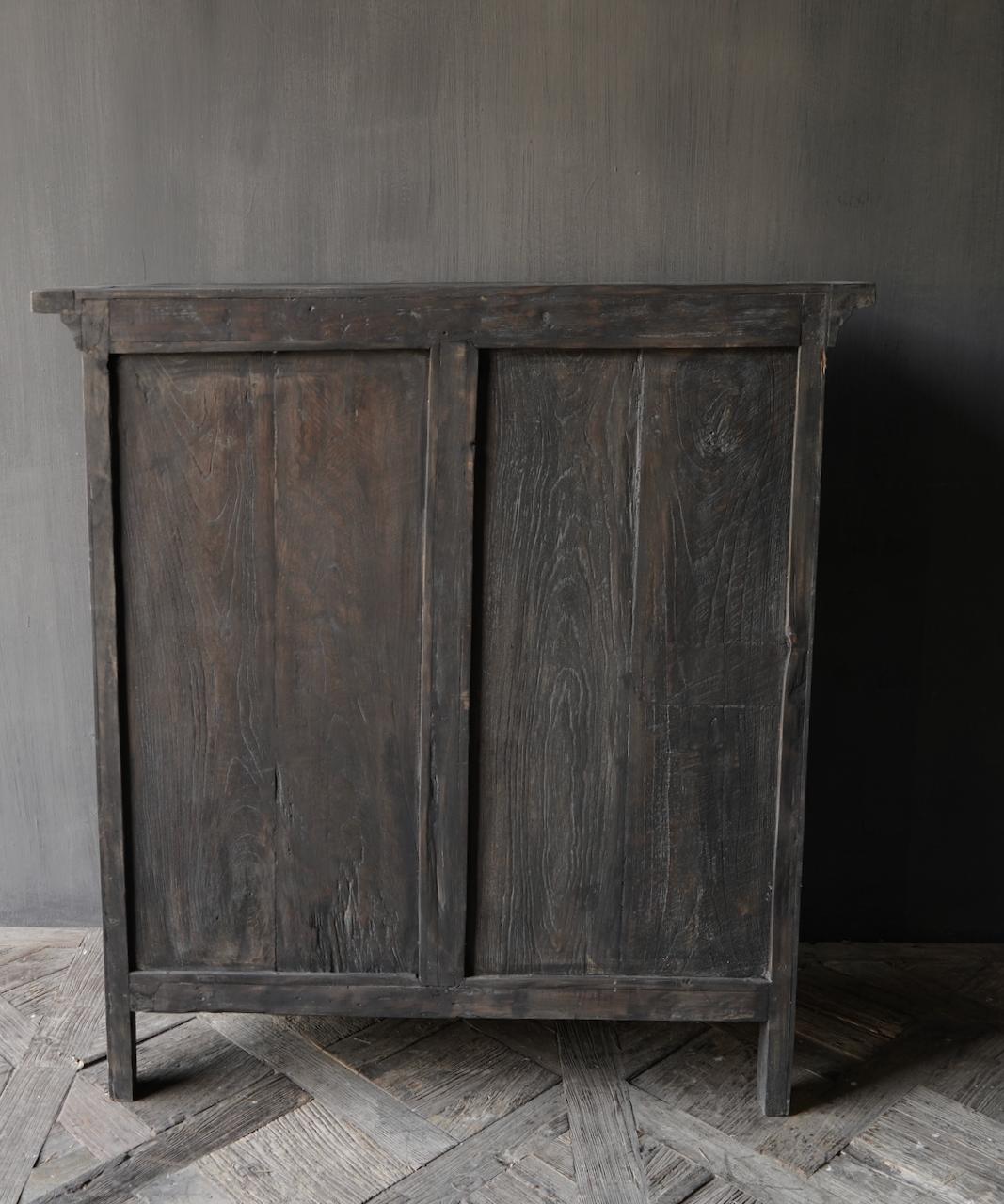 Stoer Landelijk  oud houten kastje-6