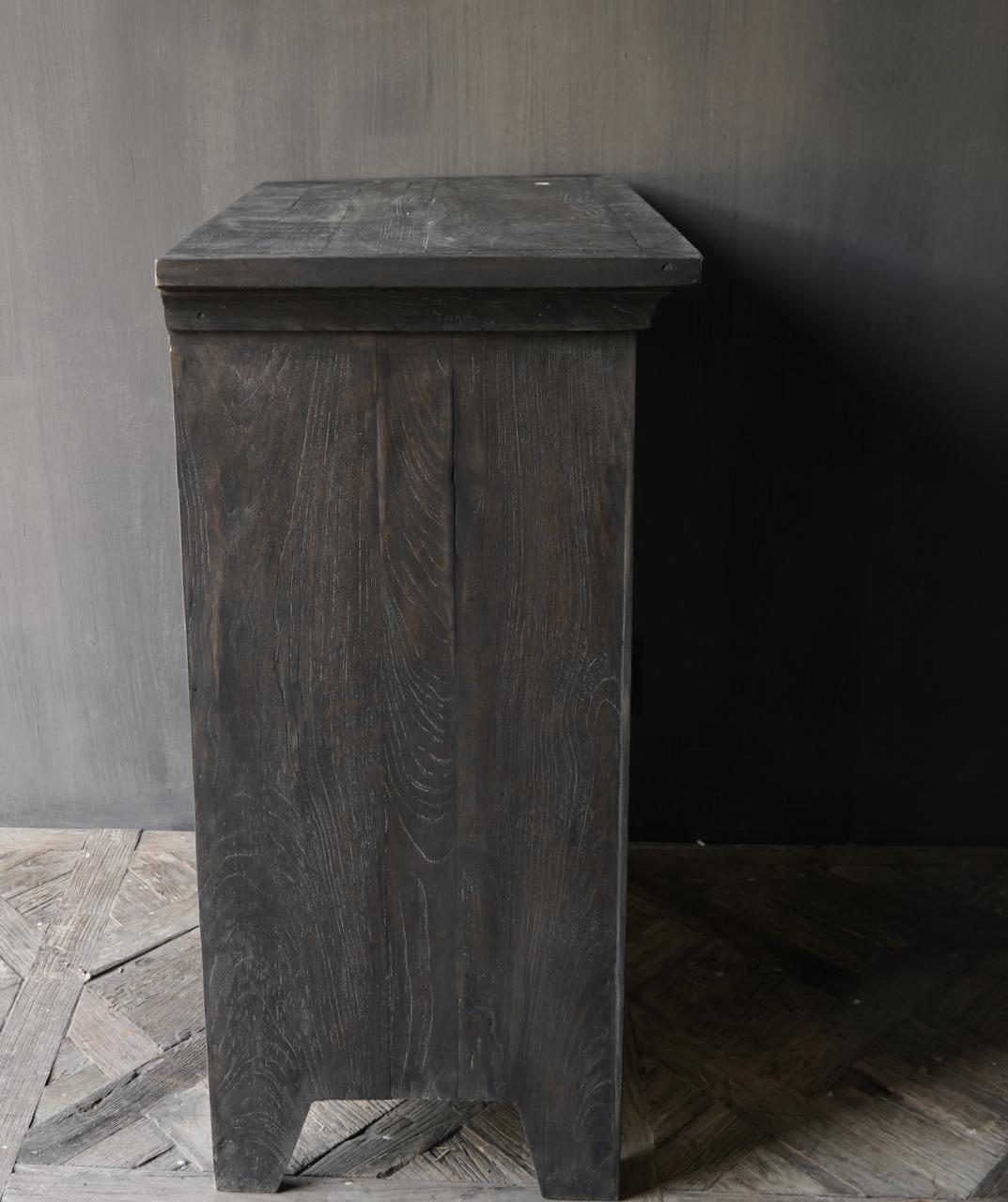 Stoer Landelijk  oud houten kastje-8
