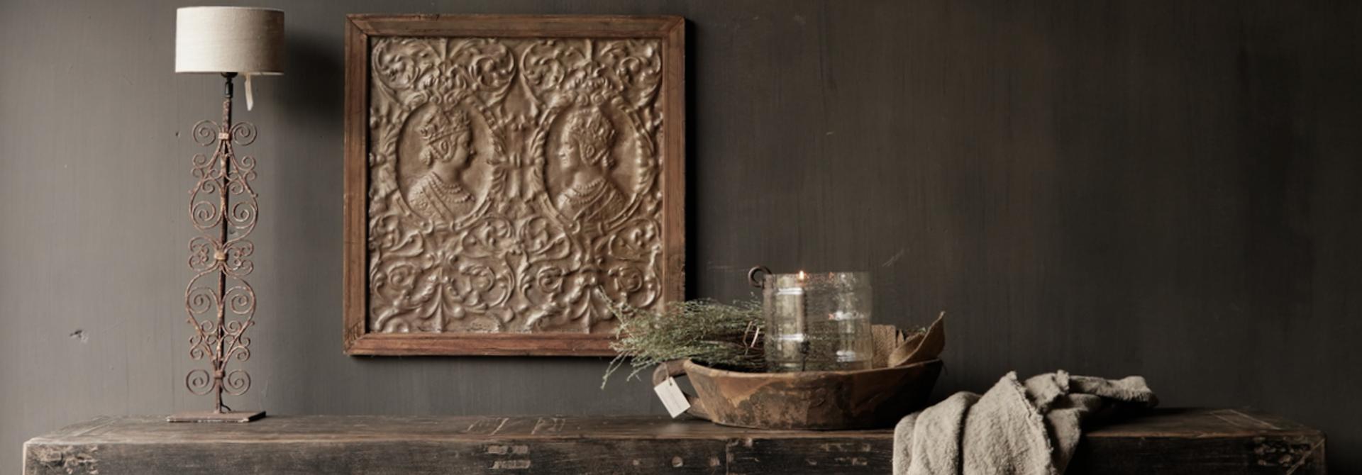 *Gereserveerd*Oude Authentieke Zwart/Bruin  Dressoir met  vijf deurtjes