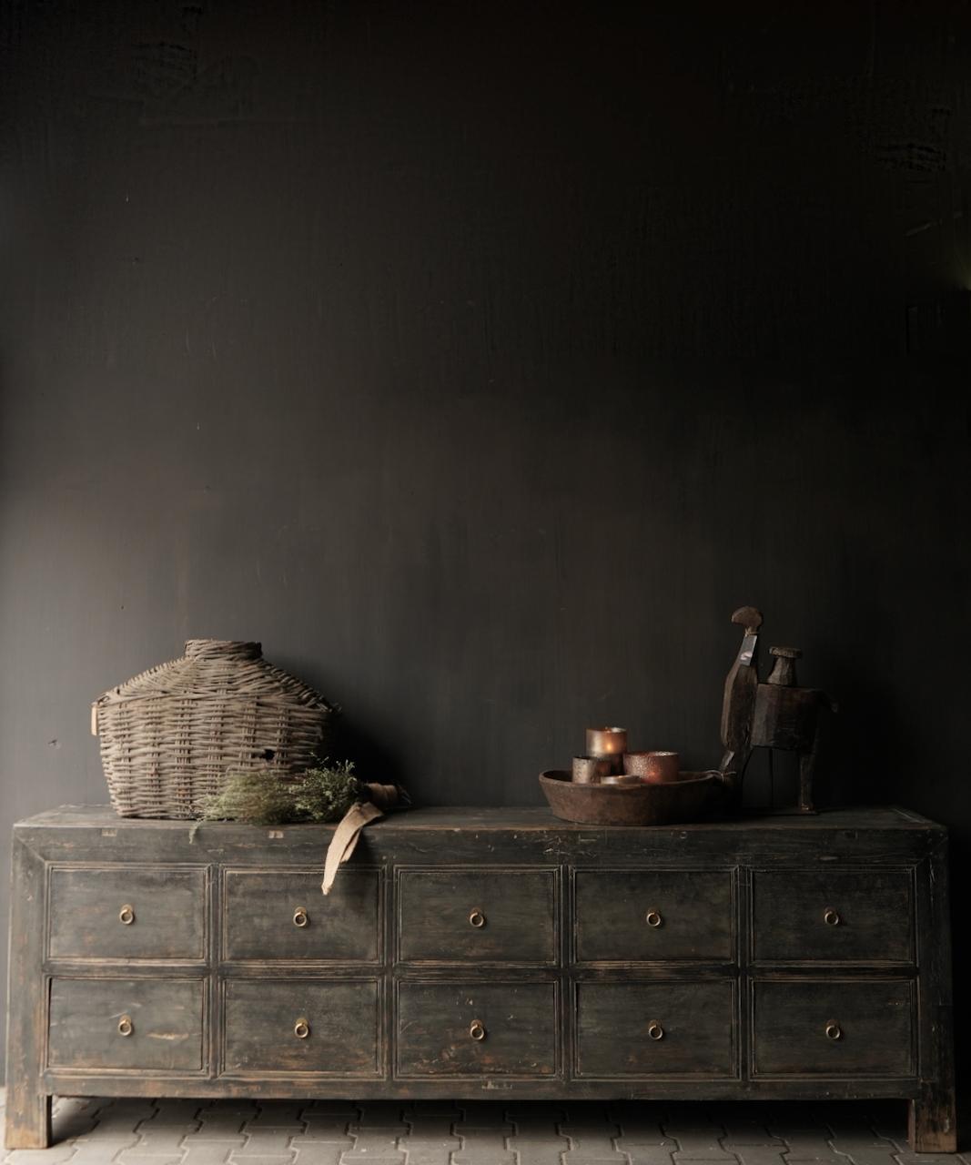 Oude Authentieke Zwart/Bruin  Dressoir met  10 lades-1