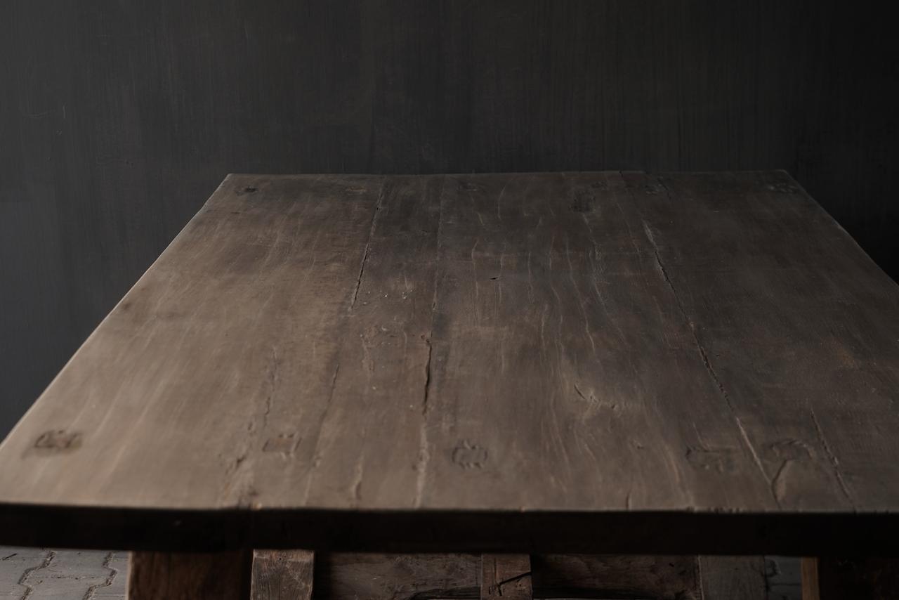 Robuster robuster ländlicher Tisch aus altem Holz 200x100 cm-5