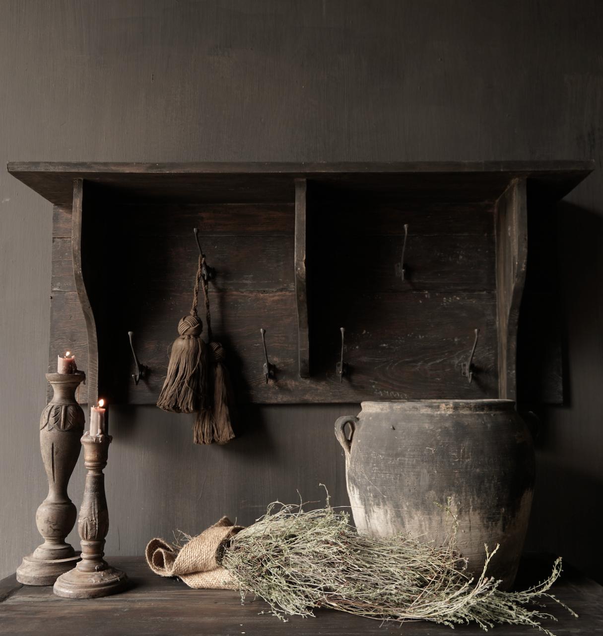 Kapstok / Wand console  gemaakt van oud gebruikt hout met ijzeren haken-1