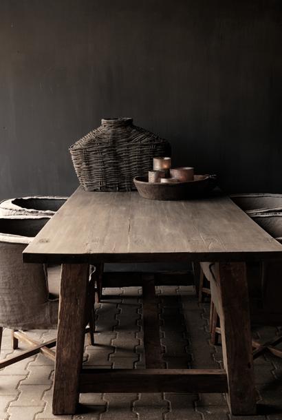 Stoere Robuuste landelijke  tafel van oud hout     200x100 cm