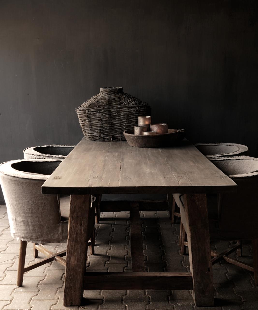 Robuster robuster ländlicher Tisch aus altem Holz 200x100 cm-1