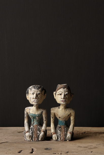 Old wooden Authentic bridal couple