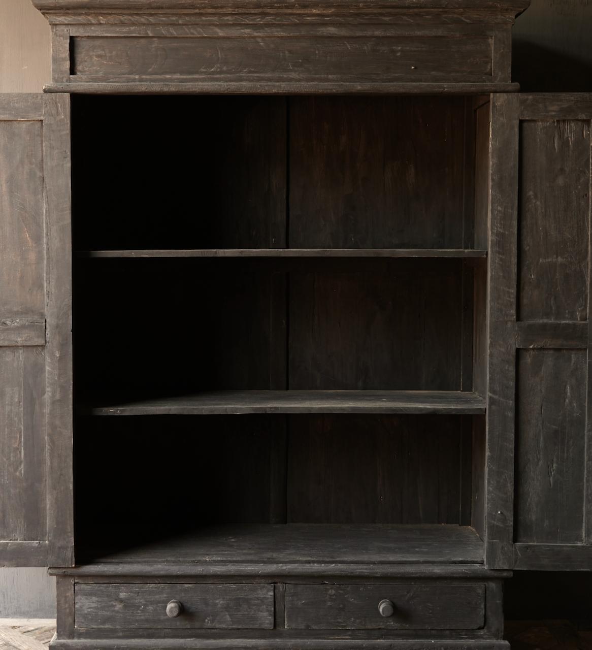 GERESERVEERD  Prachtig Stoer Landelijk kast van donker oud hout-2