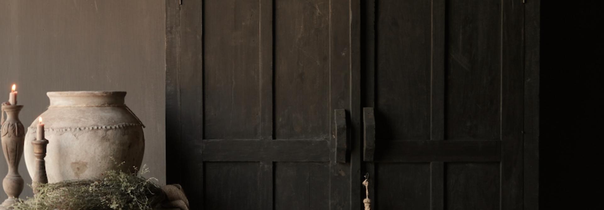 GERESERVEERD  Prachtig Stoer Landelijk kast van donker oud hout