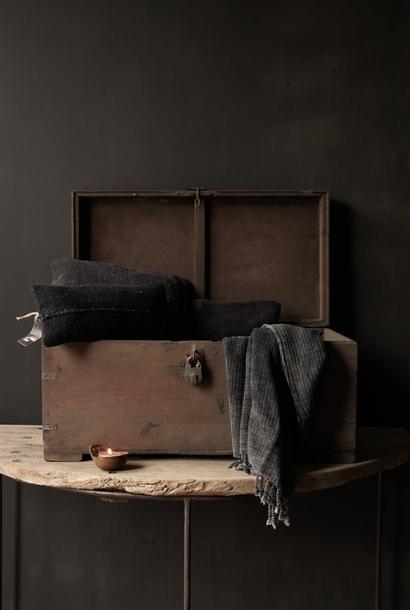 Oude Authentieke houten kist inclusief gerestaureerd slot