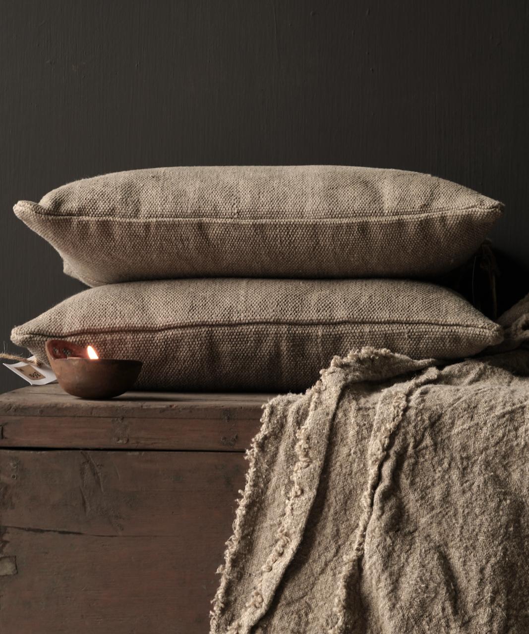 Tough coarse linen pillow-3