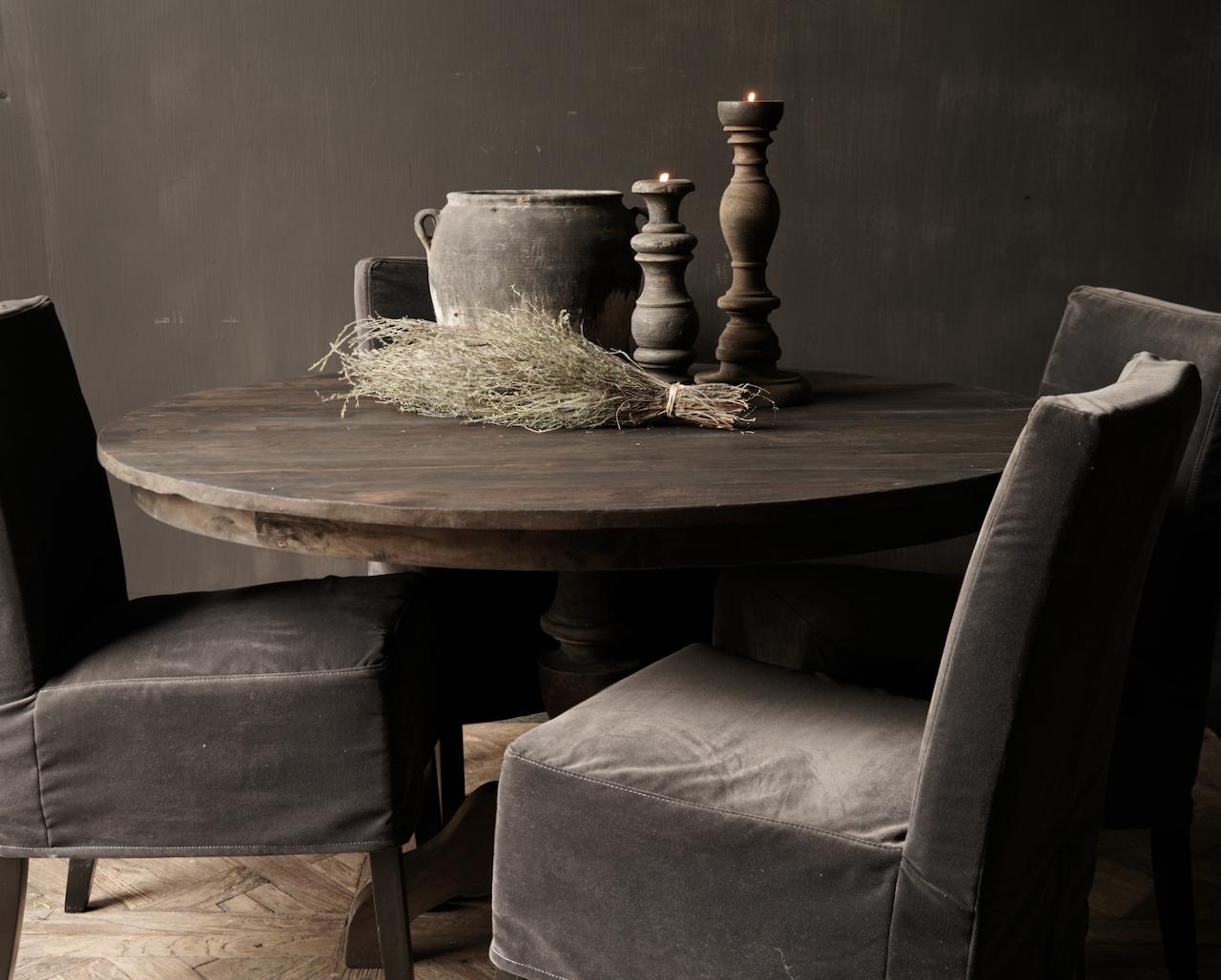 Robuster runder Tisch aus altem gebrauchtem Holz-5