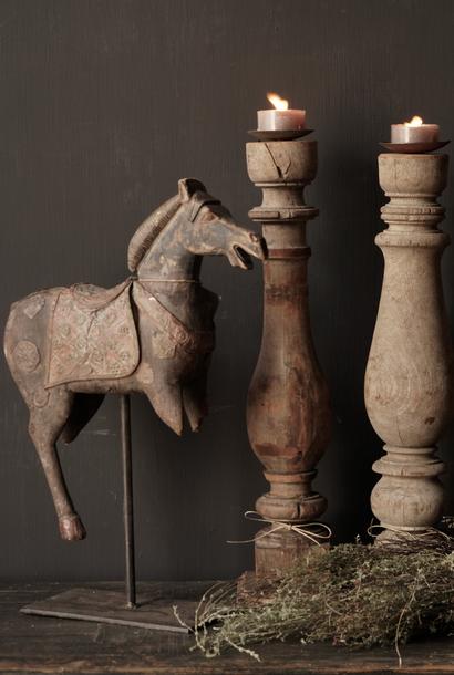 Schöne alte hölzerne Baluster Kerzenhalter