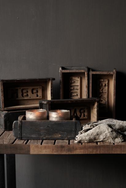 Authentieke zwart houten Steenmal