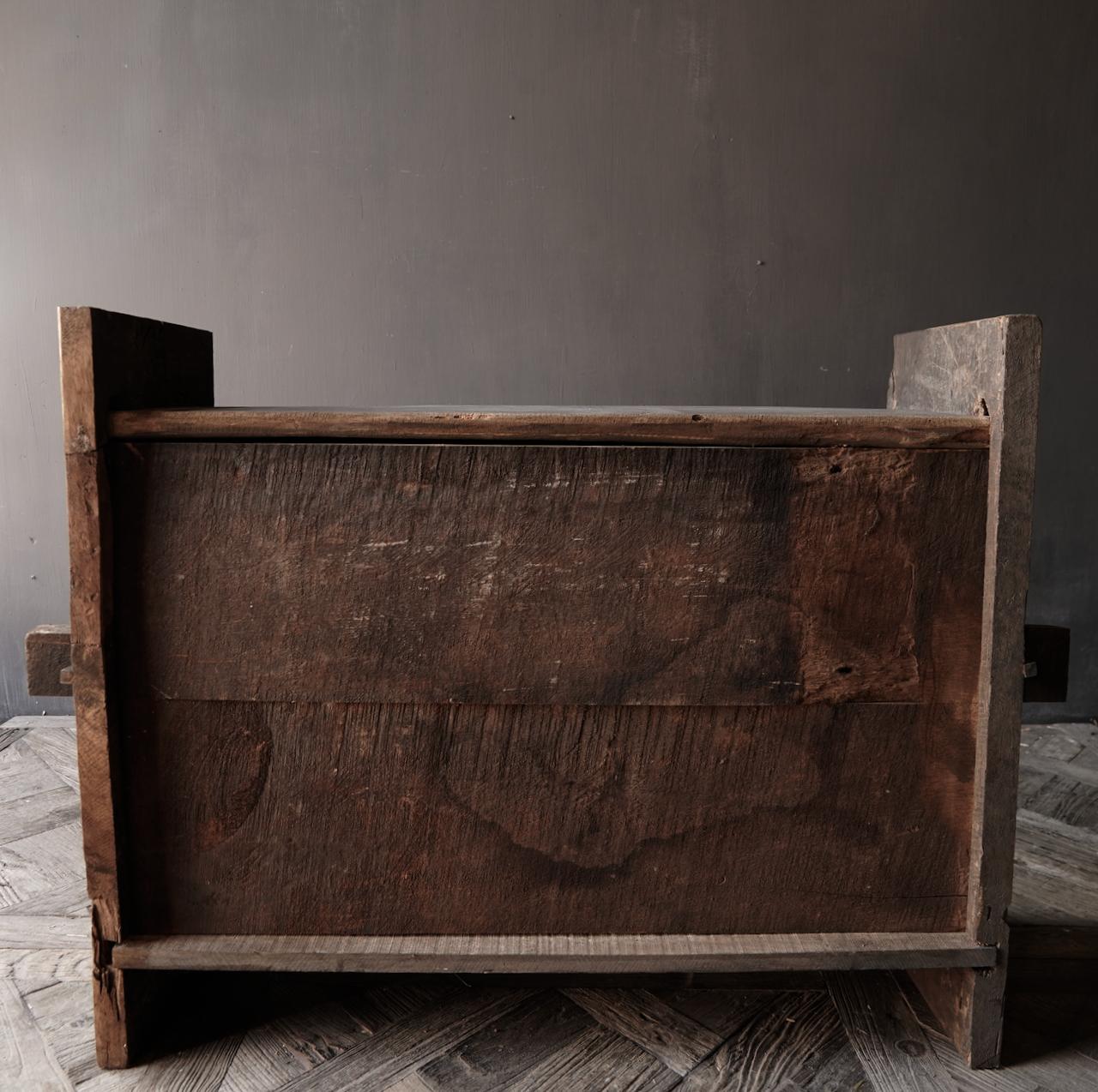 Stoere oude Himalaya   Kist / Box  met hout snijwerk-4