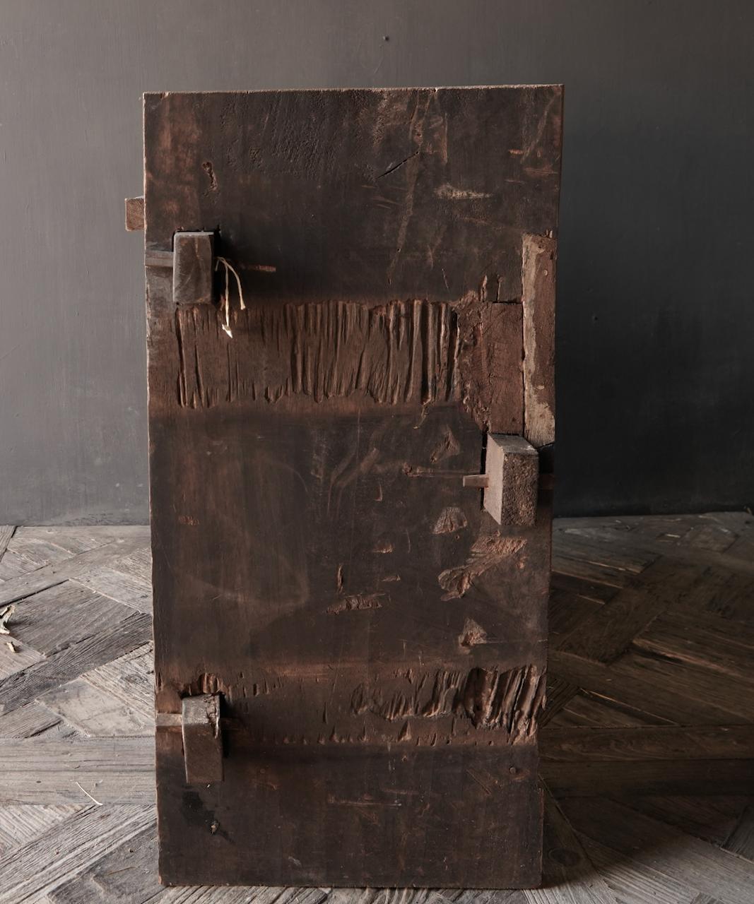 Stoere oude Himalaya   Kist / Box  met hout snijwerk-5