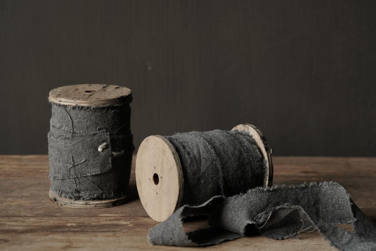 Graues Vintage ausgefranstes Baumwollband-2