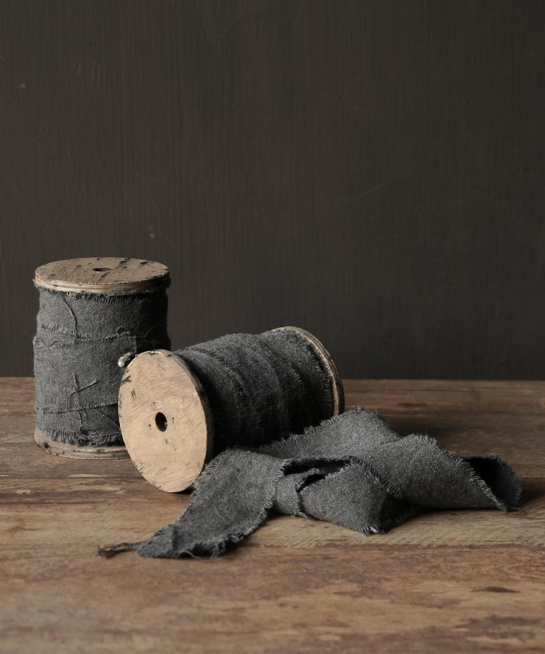 Graues Vintage ausgefranstes Baumwollband-1